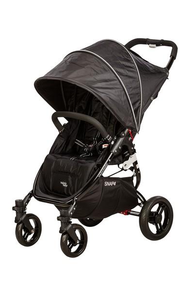 VALCO baby SNAP 4 Babakocsi fekete  CZ906.6 - Lapra csukható ... f6c93996b5