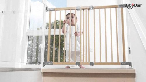 Baby Dan Flexi Fit fa ajtórács #69-106,5 cm #BD55012-2700